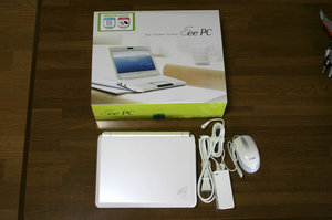Eee PC 901-X 【Windows XP搭載ULPC】を買いました。